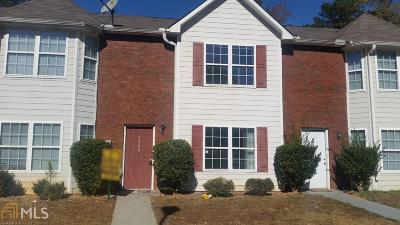 Clayton County Condo/Townhouse For Sale: 5560 Pineridge Ct