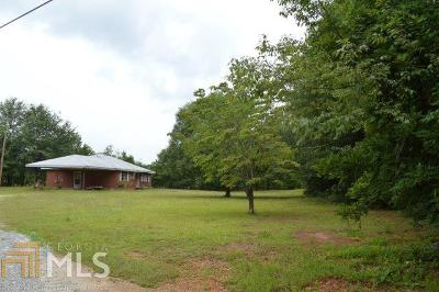 Lilburn Single Family Home For Sale: 1949 Pucketts Dr