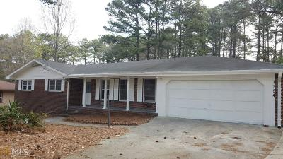Stone Mountain Single Family Home Back On Market: 1394 Panola Rd