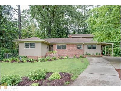 Fulton County Single Family Home For Sale: 2355 Rugby Ln