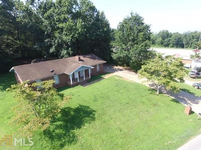 Flowery Branch  Single Family Home For Sale: 4312 Strickland Rd