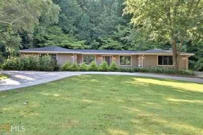 Roswell Single Family Home For Sale: 1220 Oakhaven Dr