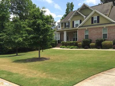 Fayetteville Single Family Home For Sale: 215 Honey Ln
