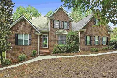 Fayette County Single Family Home New: 180 Montego Trl