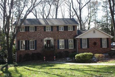 DeKalb County Single Family Home For Sale: 1351 Hampton Hall Dr