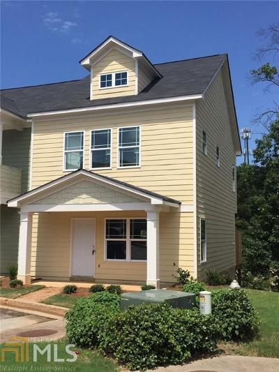 Norcross Condo/Townhouse For Sale: 1729 Brookside Lay Cir