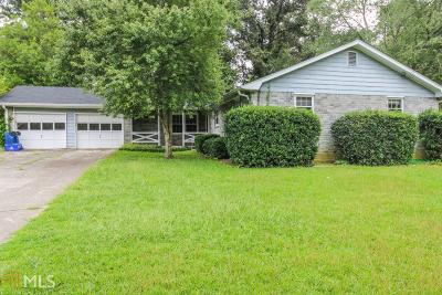 Lilburn Single Family Home For Sale: 4002 Whispering Forest Ct