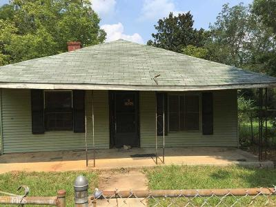 Coweta County Single Family Home For Sale: 7 Gay St