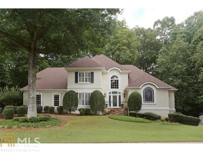 Johns Creek Single Family Home For Sale: 12305 Magnolia Cir