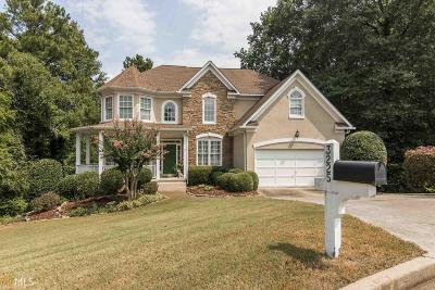 Roswell Single Family Home Under Contract: 3225 Foxhall Overlook