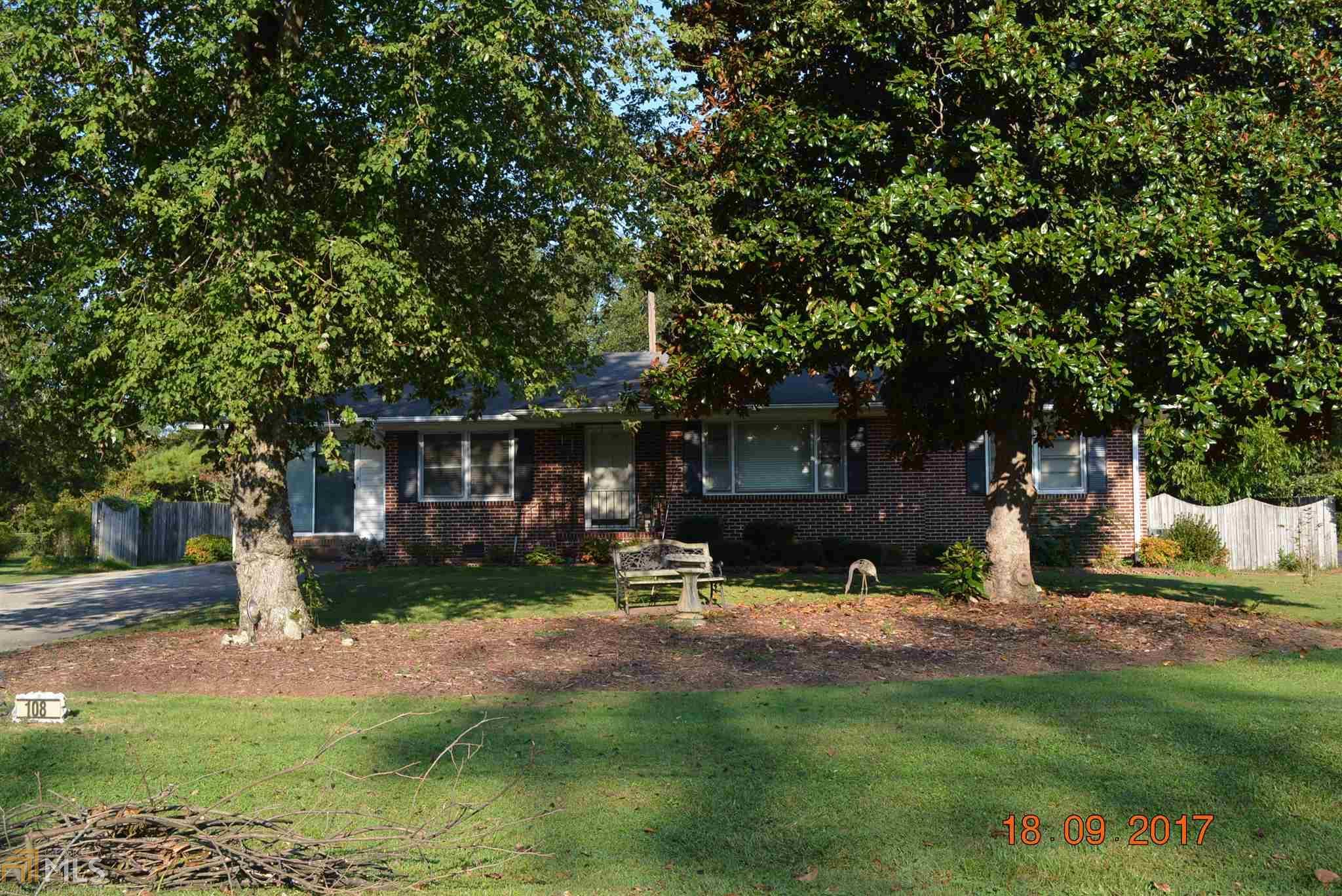 108 Smith St, Hartwell, GA | MLS# 8258985 | Lake Hartwell