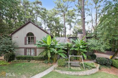 Fulton County Single Family Home For Sale: 1855 Moores Mill Rd