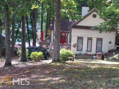 Buford Single Family Home For Sale: 6148 Lake Lanier Heights Rd