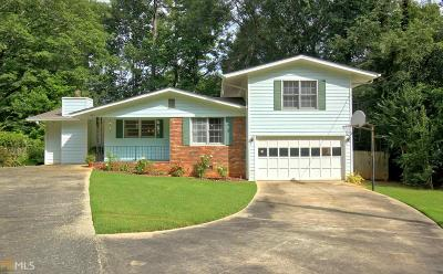 Peachtree City Single Family Home Under Contract: 208 Hilltop Dr