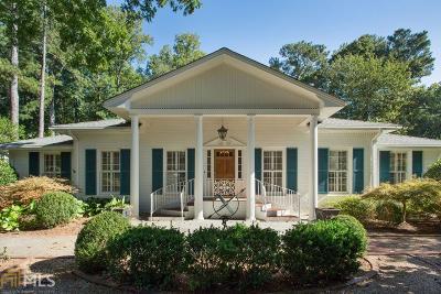 Sandy Springs Single Family Home For Sale: 215 Forrest Lake Dr