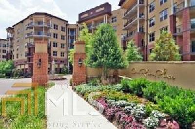 Condo/Townhouse New: 200 River Vista
