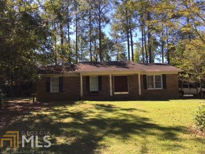 Single Family Home For Sale: 208 E Mockingbird Ln