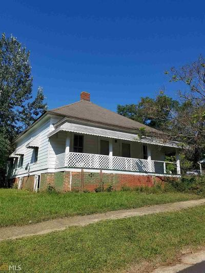 Coweta County Single Family Home For Sale: 106 Grady Smith St
