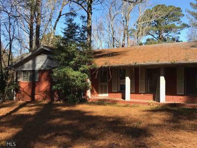 Fairburn Single Family Home For Sale: 2611 Old Jonesboro Rd