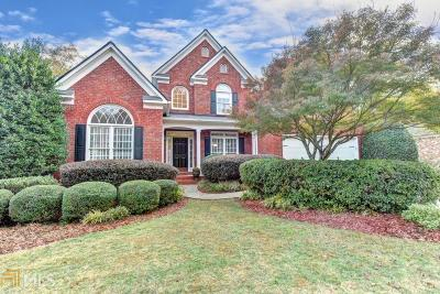 Suwanee Single Family Home For Sale: 6810 Sterling Dr