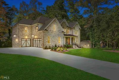 Marietta Single Family Home For Sale: 827 Mockingbird Ln