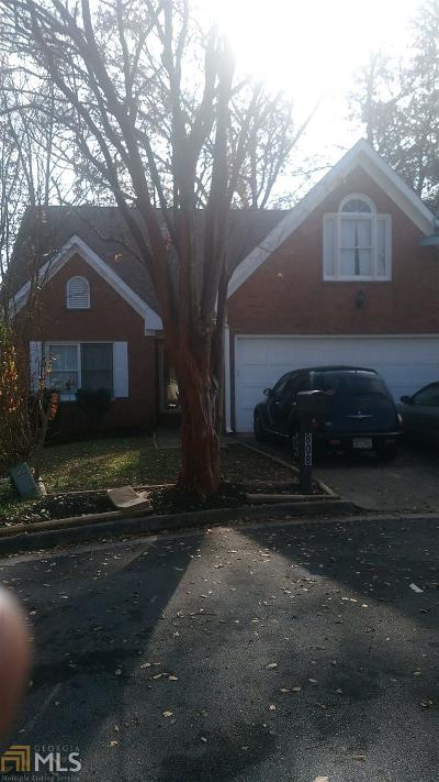 Clarkston Single Family Home Under Contract: 808 Mountbury Ct
