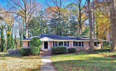 Atlanta Single Family Home For Sale: 765 Briar Park Ct