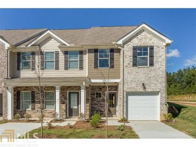Clayton County Condo/Townhouse For Sale: 1967 Old Dogwood #71