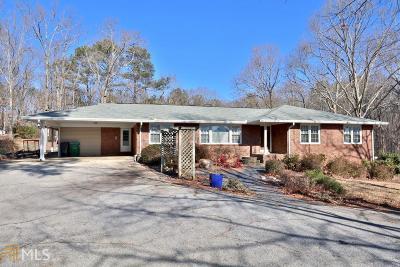 Snellville Single Family Home For Sale: 3935 Zoar Church Rd