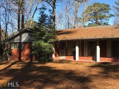 Fairburn Single Family Home For Sale: 2611 Old Jonesboro Rd
