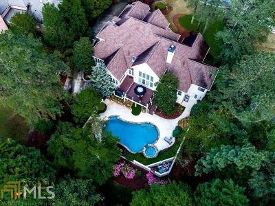 Roswell Single Family Home For Sale: 8815 Torrington Dr