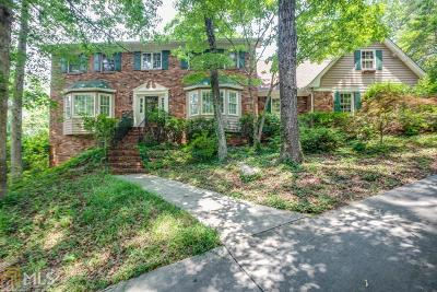 Fulton County Single Family Home For Sale: 7985 Saddle Ridge Dr