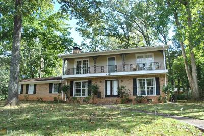 Dunwoody Single Family Home For Sale: 4525 N Peachtree Rd