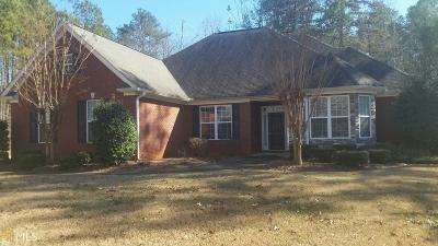 Fayetteville Single Family Home For Sale: 160 Chalmers Way
