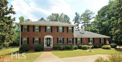 Single Family Home Sold: 1620 Lake Dow Rd