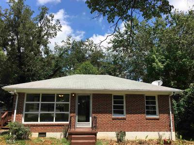 Clayton County Single Family Home New: 824 Dennis Dr