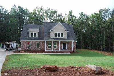 Monroe County Single Family Home For Sale: 34 Oakwood Ct