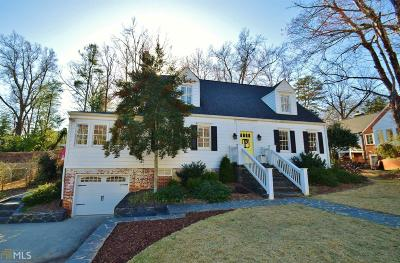 Single Family Home For Sale: 905 Memorial Dr