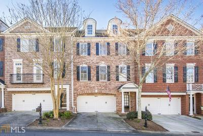 Roswell Condo/Townhouse For Sale: 4605 Village Green Dr