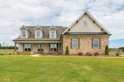 Monroe County Single Family Home For Sale: 81 Derby Dr