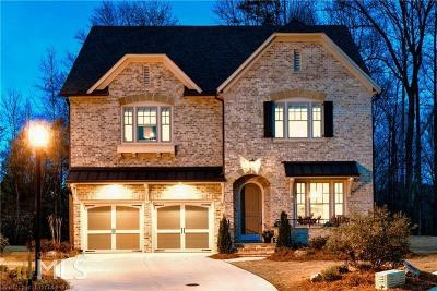 Single Family Home For Sale: 3667 Strath Dr