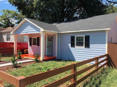 Single Family Home For Sale: 917 SW Garibaldi