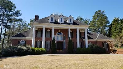 Woodstock Single Family Home For Sale: 1021 Olde Towne Ln