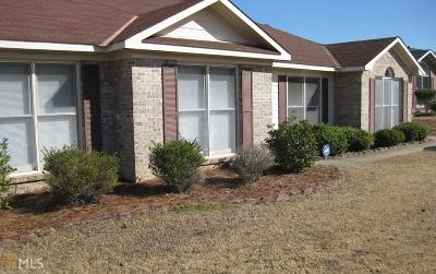 Columbus Single Family Home For Sale: 6169 Bayberry Dr