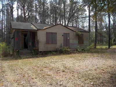 Henry County Single Family Home For Sale: 220 Grove Rd