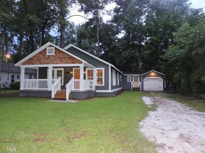 Single Family Home For Sale: 933 N Spair