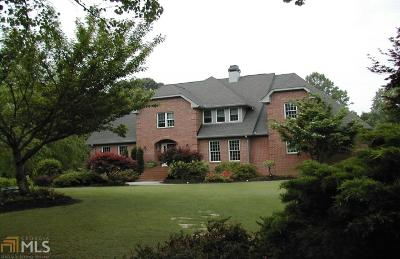 Buford Single Family Home For Sale: 3202 Cloudland Ct