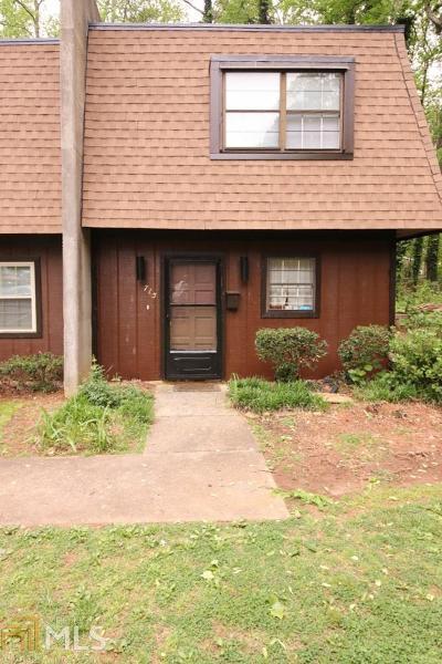 Marietta Condo/Townhouse For Sale: 715 Cedar Pointe Ct
