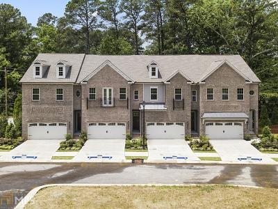 Dekalb County Condo/Townhouse For Sale: 1452 Edgebrook Ct #002