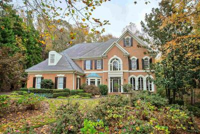 Johns Creek Single Family Home For Sale: 708 Henley Fields Cir